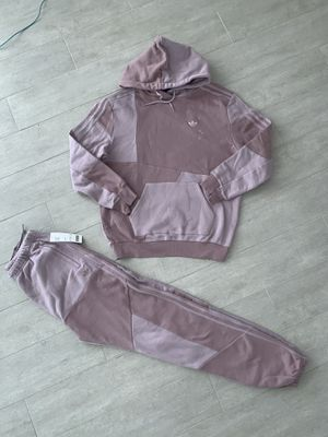 Small Women's Adidas (Fits Like Medium for Sale in North Miami Beach, FL