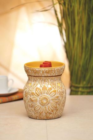 """NEW IN BOX Scentsy Retired Wax Warmer """"Sol"""" for Sale in Milwaukie, OR"""