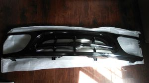 Ford explorer grill plastic for Sale in Red Bluff, CA