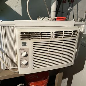Window AC Unit (Serious Inquiry's Only) for Sale in West Chester, PA