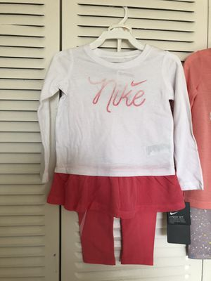 Nike set toddler size 2t for Sale in Hollywood, FL