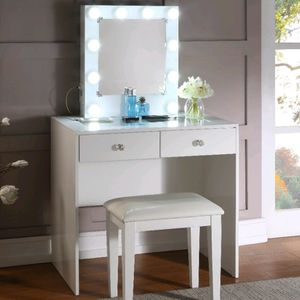 NEW!!!White Makeup Vanity w/Stool 😍Make Your order Online Or Visit Our Showroom for Sale in Las Vegas, NV