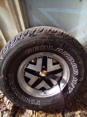265-70-15 Rims and Tire Good for Sale in Lake Wales, FL