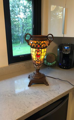 Tiffany Style Urn Lamp for Sale in Angwin, CA