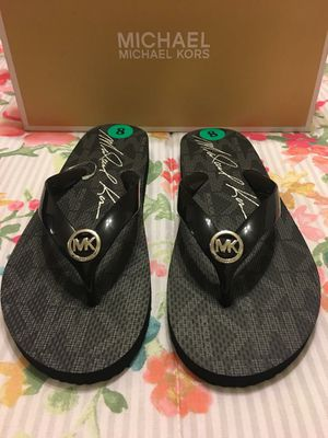 New Authentic Michael Kors Women's Flip Flops Size 8 for Sale in Lakewood, CA