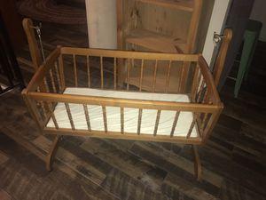 Rocking Baby Crib for Sale in Miami, FL