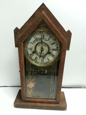 Antique clock for Sale in Hyattsville, MD
