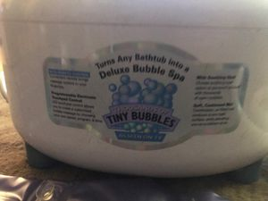 Selling my bubbleSpa Deluxe ! The most bubbles you have ever seen ! 90$ OBO if you want super big bubbles this is for you!! for Sale in Seattle, WA