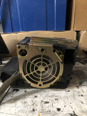 2003-2007 hummer h2 bose lux amp and subwoofer for Sale in Henderson, NV