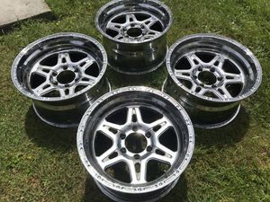 "18"" Six Spoke Chrome 6 Lug Wheel Rims for Chevy Truck (set of 4) for Sale in Snohomish, WA"