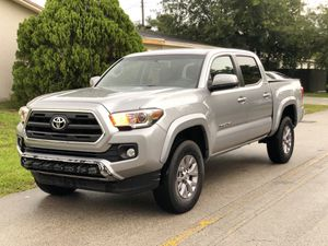 2017 Toyota Tacoma for Sale in Miami Gardens, FL