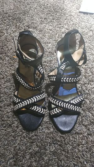 Michael kors 8m heels for Sale in Tacoma, WA