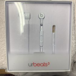 urbeats3 Ships For 3 29 for Sale in Portland,  OR
