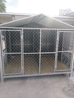 Dog kennel 8x5x6 for Sale in Coral Gables, FL