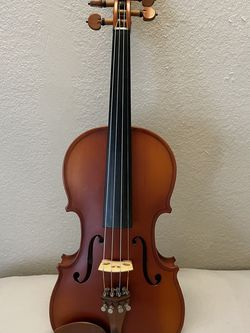 Good Sound Full Size 4/4 Violin Flame Back for Sale in Irvine,  CA