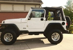 Clean_2000 Jeep Wrangler FWD 4.0L$10OO for Sale in Los Angeles, CA