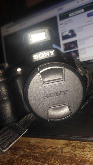 Sony DSLR camera for Sale in Fresno, CA