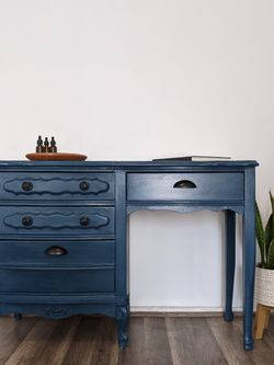 Refinished Desk/Small Vanity for Sale in Hacienda Heights,  CA