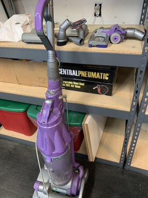 Dyson Animal Vacuum $35 for Sale in San Diego, CA