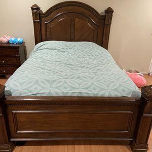 Queen Bedroom Set!!! Perfect Condition!! Queen for Sale in Pomona, CA