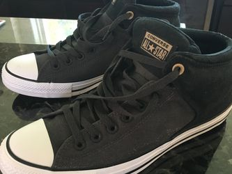 Converse Chuck Taylor All Star's - Size 10 Brand-new. Fresh Out Of Box, Classic Shoes for Sale in Las Vegas,  NV