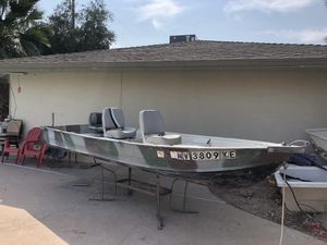 14ft aluminum boat with trailer for Sale in Las Vegas, NV