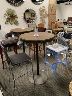3pc barstools and bartable set for Sale in Springfield, VA