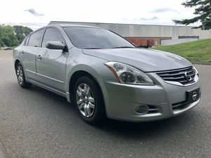 2012 Nissan Altima auto 4 cyl 159k miles runs looks great for Sale in CT, US
