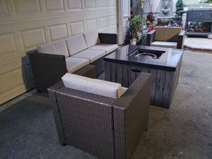 Outdoor patio conversation with firepit for Sale in Los Angeles, CA