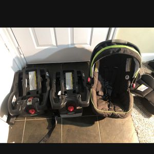 Car Seat With 2 Base And Car Seat Insert for Sale in Katy, TX