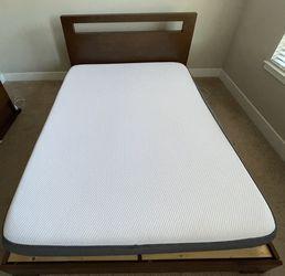 West Elm Low Wood Cutout Headboard W/ Platform Bed for Sale in Mt. Juliet,  TN
