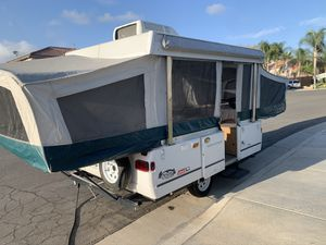1999 Coleman pop up tent trailer for Sale in Murrieta, CA