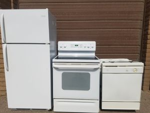 White Kitchen Set * Works Great * Delivery Available for Sale in Glendale, AZ