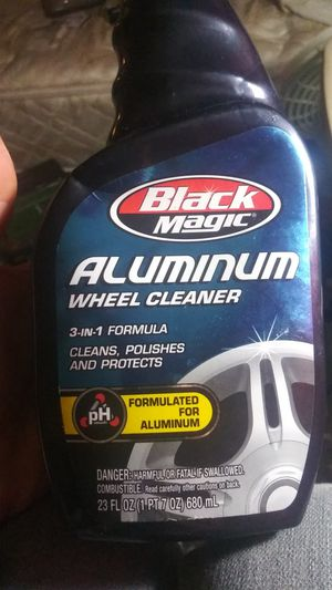 Full bottle of Black magic aluminium. Rim cleaner for Sale in Clearwater, FL