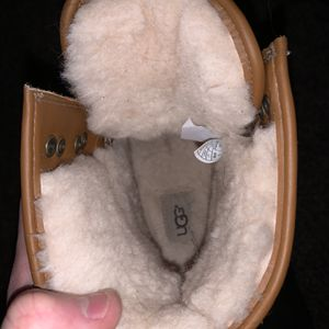 Ugg 8 Inch Boot Size 10.5 for Sale in Magnolia, NJ