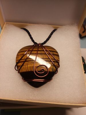 BRAND NEW, Beautiful Real LARGE Tiger's Eye HEART and Copper Necklace. Perfect to give as a Gift. Comes with the Gift Box and bag. for Sale in Rancho Cucamonga, CA