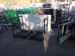 John Deere riding lawn mower shipping containers for Sale in Beaverton, OR