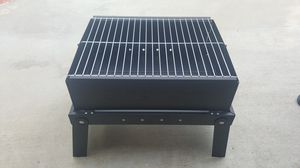 Cuisinart Charcoal Grill-On-The-Go (Ccg-400) for Sale in Anaheim, CA
