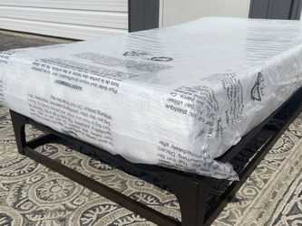 """New Twin Size Platform Bed Frame And 10"""" Gel Memory Foam Mattress. for Sale in Columbus,  OH"""