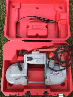 MILWAUKEE TOOL Band Saw 6236 120v with Case 4 Extra Blades for Sale in Blue Bell, PA