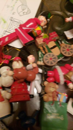 Free free to anyone who needs Christmas decorations for Sale in Spring, TX