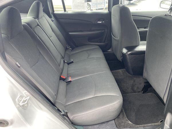 2011 Chrysler* 200*