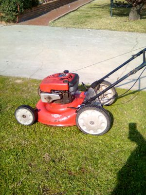 21-inch Troy-Bilt 6.75 HP push lawn mower $45 for Sale in West Covina, CA