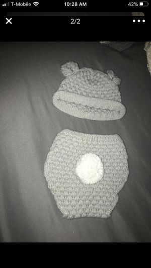Newborn teddy bear 🧸 beanie and diaper cover for Sale in Moreno Valley, CA