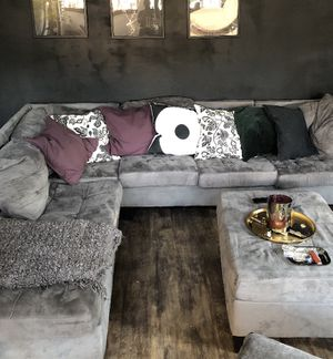 Sectional with Ottoman plus pillows for Sale in Atlanta, GA