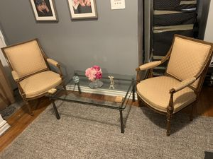 Coffee table and chairs for Sale in Queens, NY