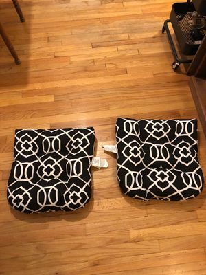 2 patio furniture cushions 18x16 in for Sale in Chicago, IL