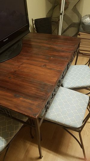 Dining room table for Sale in GRANT VLKRIA, FL
