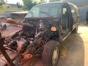 96 to 99 4x4 Parts chevy/gmc tahoe or Suburban for Sale in Phillips Ranch, CA