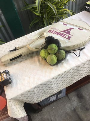 Tennis racket for Sale in Los Angeles, CA